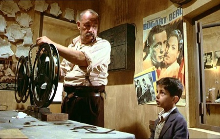 Cinema-Paradiso-Toto-Alfredo-Movie-Review.jpg
