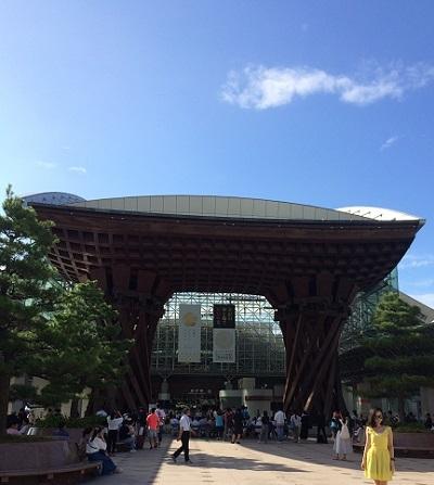 駅舎が素敵な金沢駅