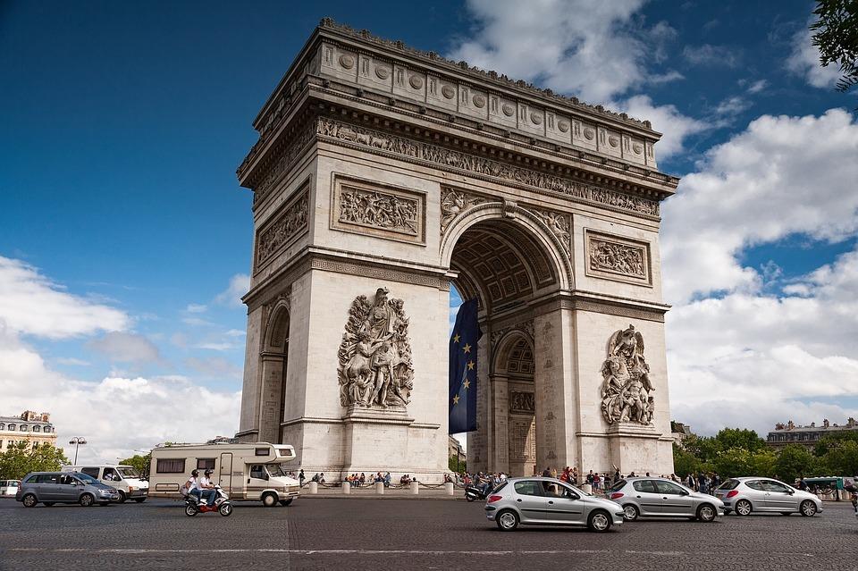 arc-de-triomphe-2975433_960_720.jpg