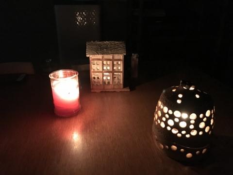 停電でこんな夜を二晩過ごしました。