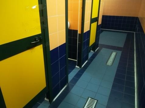 9 有料トイレの写真