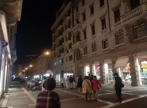 14 古い街並みが多い