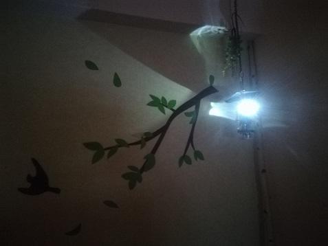 9 山小屋風ランプ 点灯中 深夜