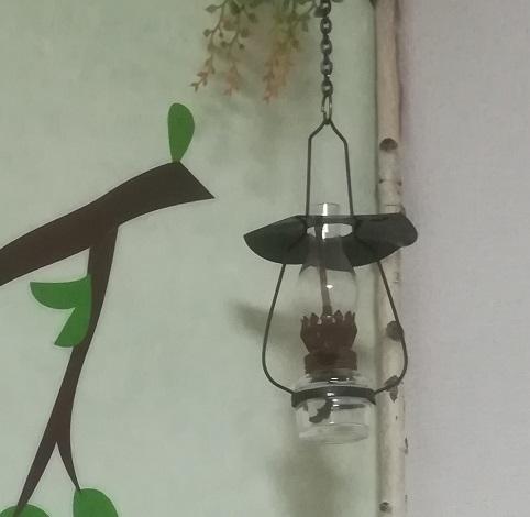 2 山小屋風のランプ L