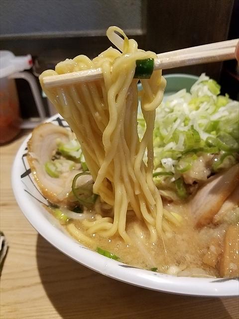 20180915_111627_R スープ少なめで背脂味噌まみれw