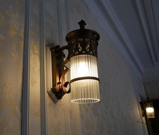 旧華頂宮邸ライト3