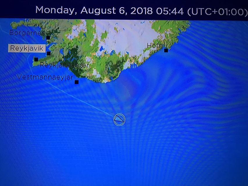 20180806 御神事 アイスランド 航海中1