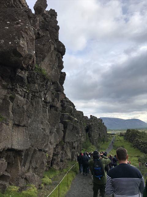 20180805 御神事 アイスランド 大地の裂け目(ギャウ)(シンクヴェトリル国立公園内2