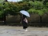20180729_日傘を使う男性06