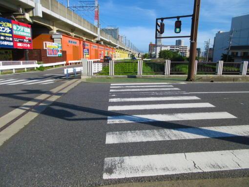 202 橋の上の横断歩道(1)