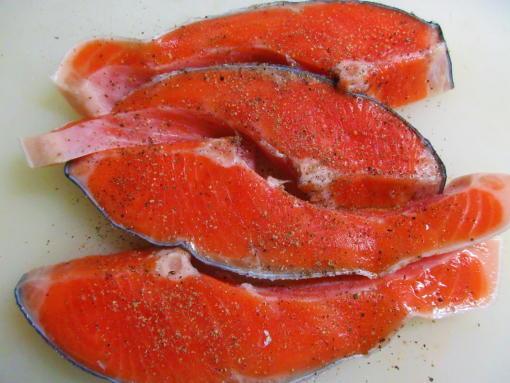211 鮭に胡椒(1)