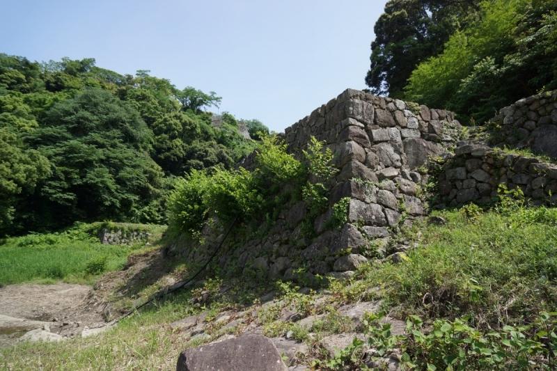 13水の石垣 (1200x800)