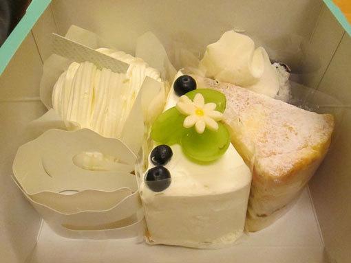 ケーキ4コ