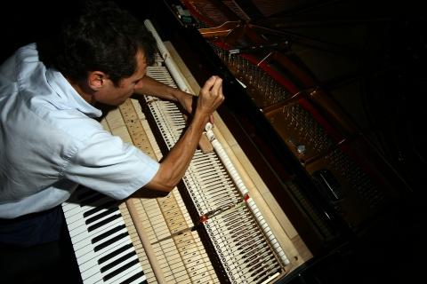 調律師 ピアノ