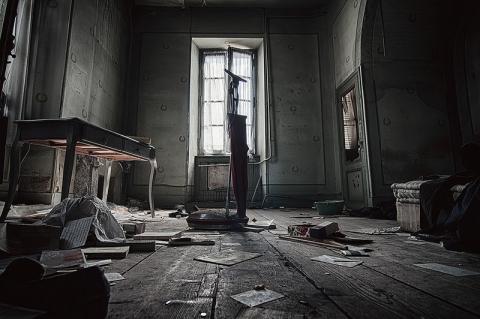 部屋 廃墟