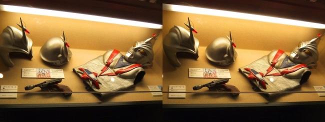 「流星人間ゾーン」(1973年)ゾーンファイター スーツ・ゾーンエンジェル ヘルメット・ゾーンジュニア ヘルメット・ゾーンファイターの銃(交差法)