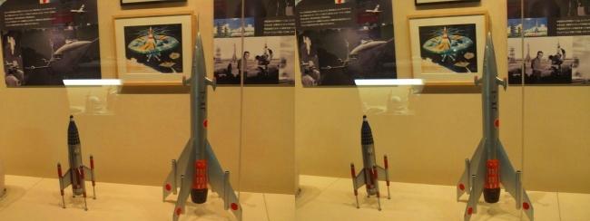 「妖星ゴラス」(1962年)土星探査船JX-1隼号・「怪獣大戦争」(1965年)P-1号(平行法)
