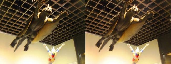 「大怪獣バラン」(1958年)バラン 飛行形態・「ゴジラ対メガロ」(1973年)ジェット・ジャガー(交差法)