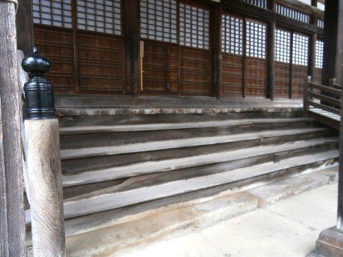02b 500 お御堂階段