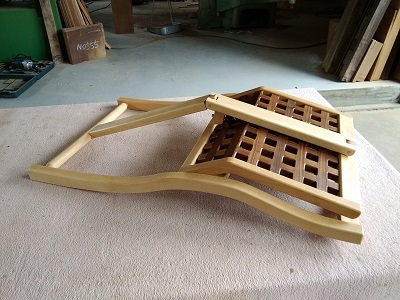 折りたたみ椅子02
