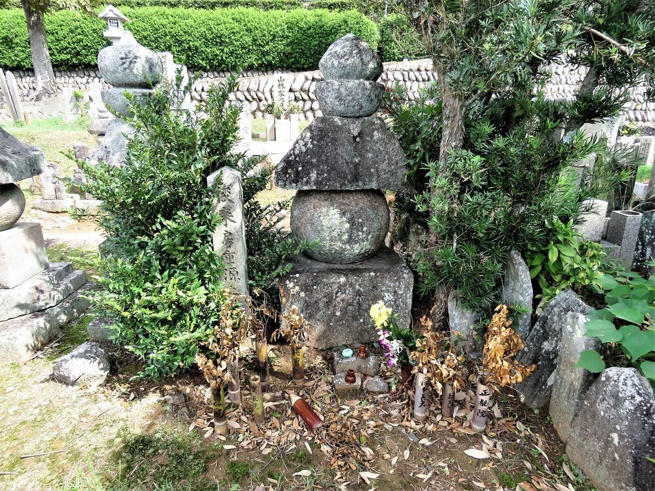 s-重源の墓