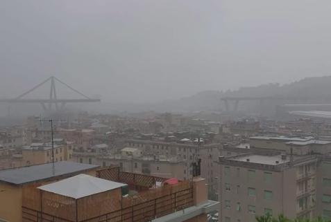 インフラ 高速道路 高架 崩落 イタリア ジェノバ