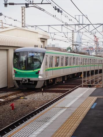 東京メトロ 千代田線 16000系 電車【代々木上原駅】