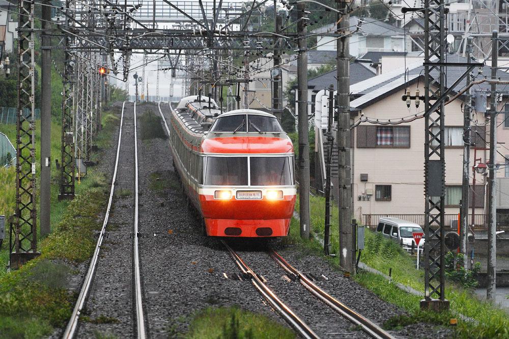 180929_鶴巻温泉駅_7000形LSE車