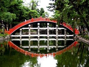 横から見た反橋