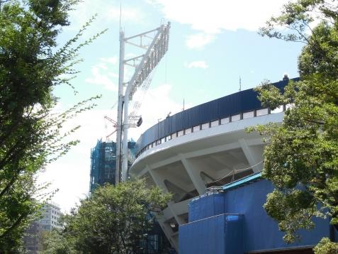 増築工事中の横浜スタジアムg