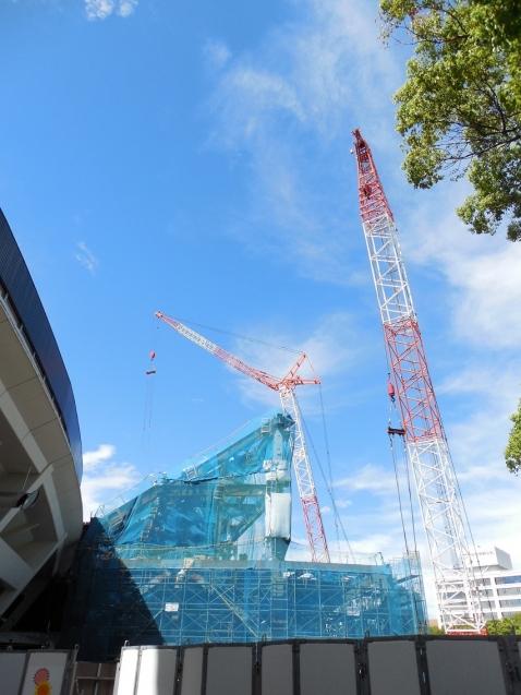 増築工事中の横浜スタジアムi