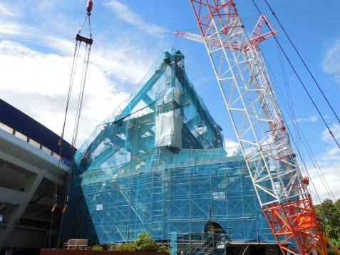 増築工事中の横浜スタジアムj