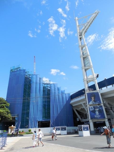 増築工事中の横浜スタジアムm
