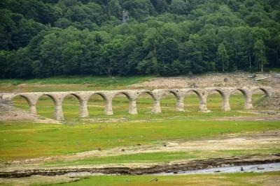 タウシュベツ川橋梁全容