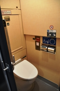 E353系トイレ