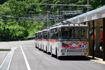 関電トンネルトロリーバス300型