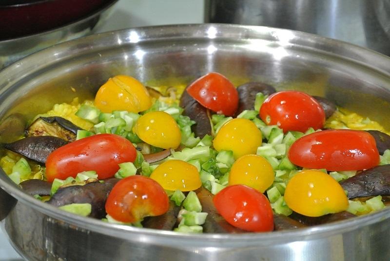 野菜をのせ