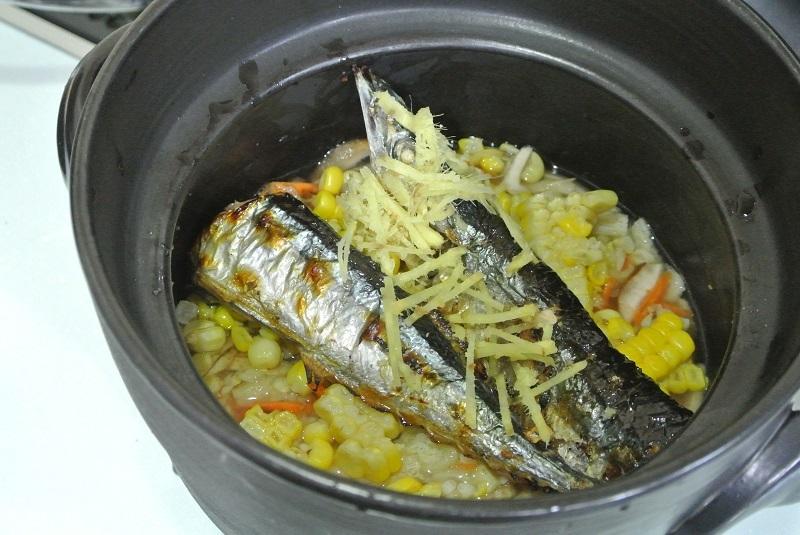 サンマとトウモロコシの炊込みご飯3