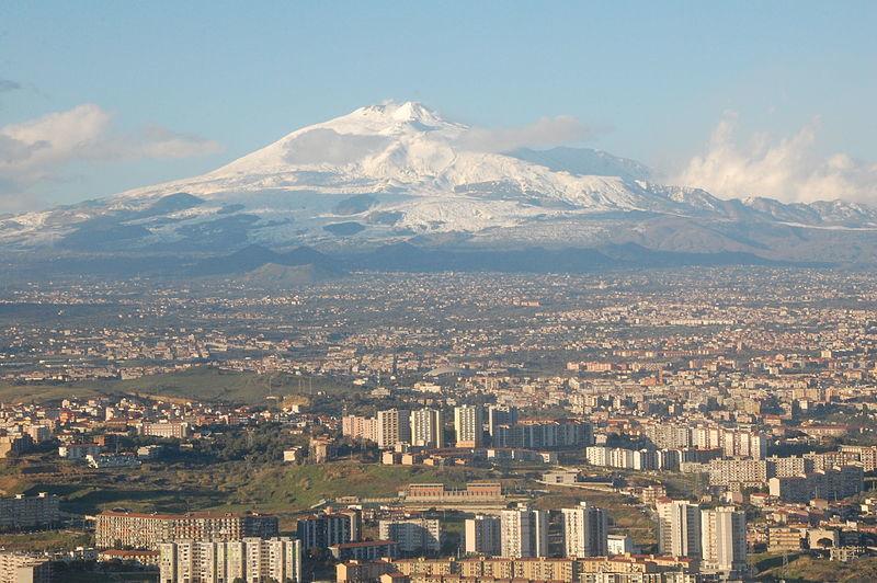 【イタリア】エトナ火山で噴火が相次ぐ…3つの火口が活発化