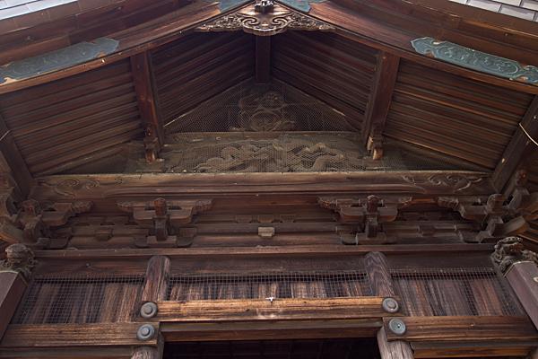 東茶屋神明社拝殿力神と彫り物