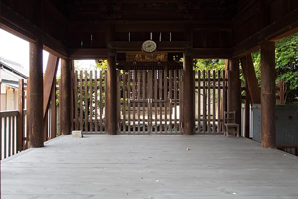 東茶屋神明社拝殿内