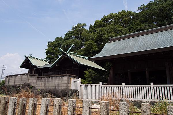 東茶屋神明社社殿横から