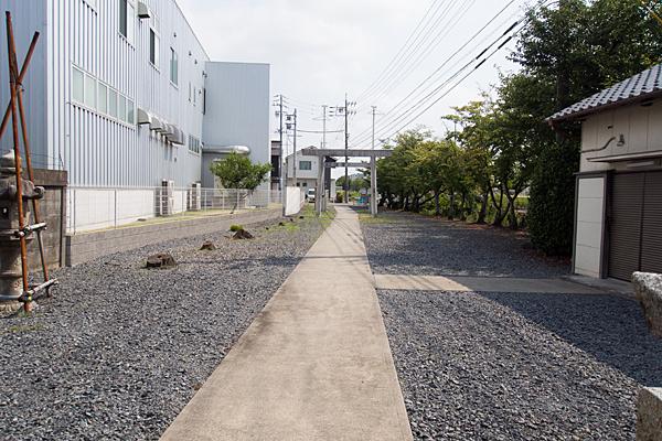 東蟹田神明社境内の風景