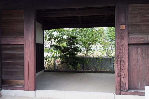 南陽神社長屋門