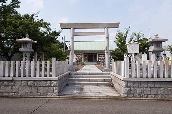 南陽神社二の鳥居前