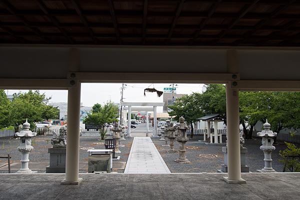 南陽神社境内の風景