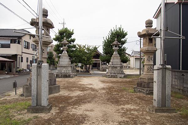 七反野神明社参道