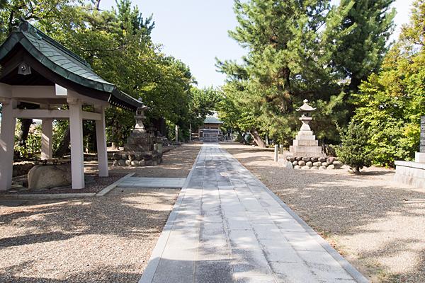 茶屋後神明社参道