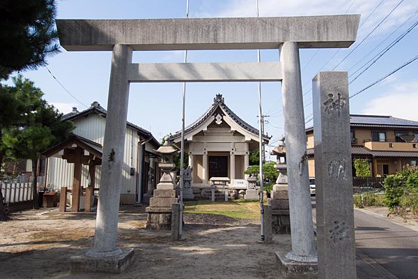 西福田4神明社鳥居前