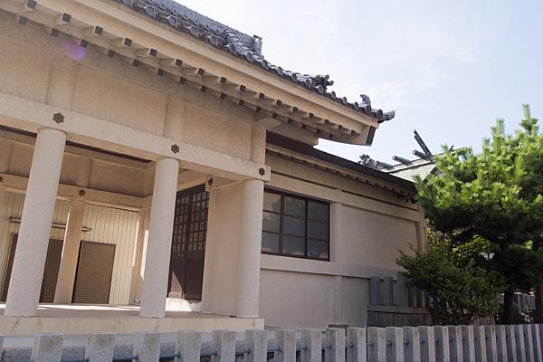 西福田4神明社社殿横から